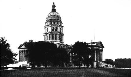 StateCapitolAtTopeka1912